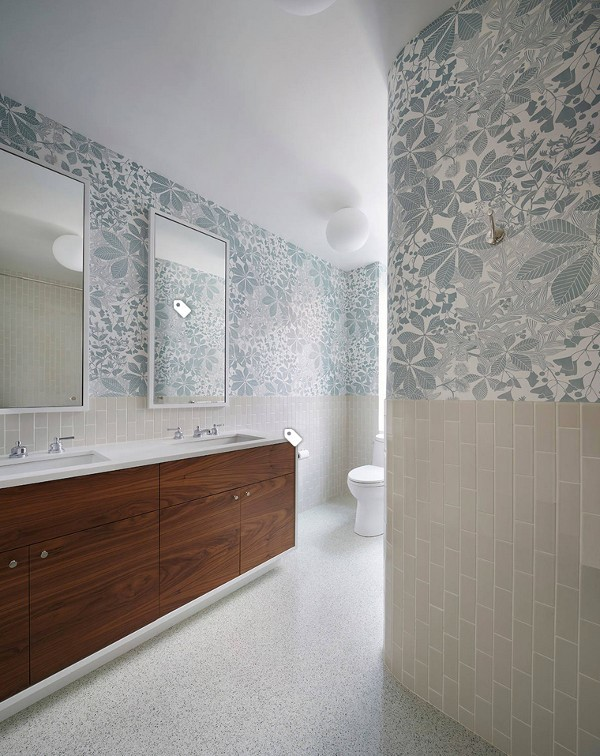 Stylish flooring in the bathroom